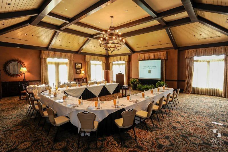 Corporate-Meeting-Setup-4